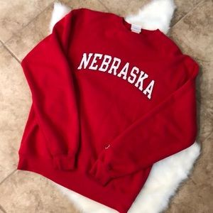 1 HR SALE NEBRASKA SWEATSHIRT SIZE MEDIUM